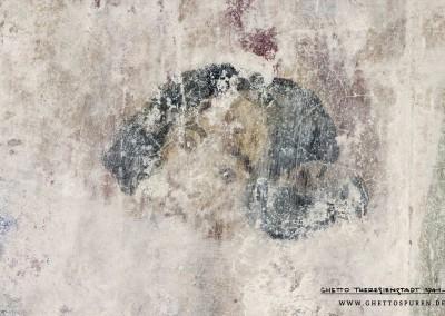 Bei dieser Figur ist leider nur noch der Kopf erkennbar. Auffällig sind die dunklen Harre und der jungenhafte Ausdruck. Text: Uta Fischer © 2014, All rights reserved. Foto: © WILDFISCH