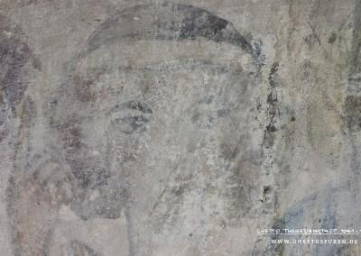 Kopf des zweiten Dichters Kopf des ersten Dichters (v. li. n. re.):  Im Gegensatz zur zweiten Figur der manessischen Miniatur (v. li. n. re.) trägt der Dichter statt einer Krone nur ein Schapel ohne kronenähnliche Optik. ext: Uta Fischer © 2014, All rights reserved. Foto: © WILDFISCH